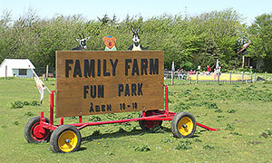 family-farm-fun